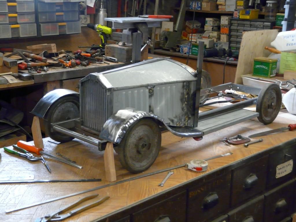 Construire une voiture en bois a pedale for Construire sa voiture